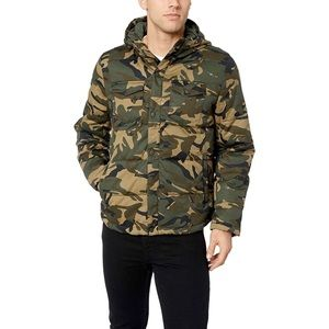 • Levi's Hooded Loft Puffer Trucker Camo Jacket •